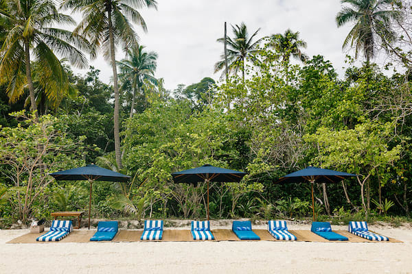 Rascal's 6-Day Raja Ampat - Day 3 - Beach Day Set Up
