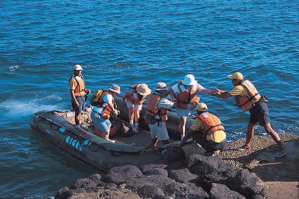 La Pinta's 7-Day Itinerary Day Four - Exploring the Galapagos Islands Panga Ride.
