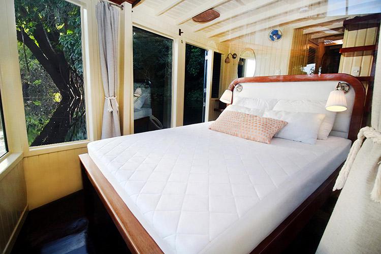 Amazon Eco Boat's VIP Panorama Suite.