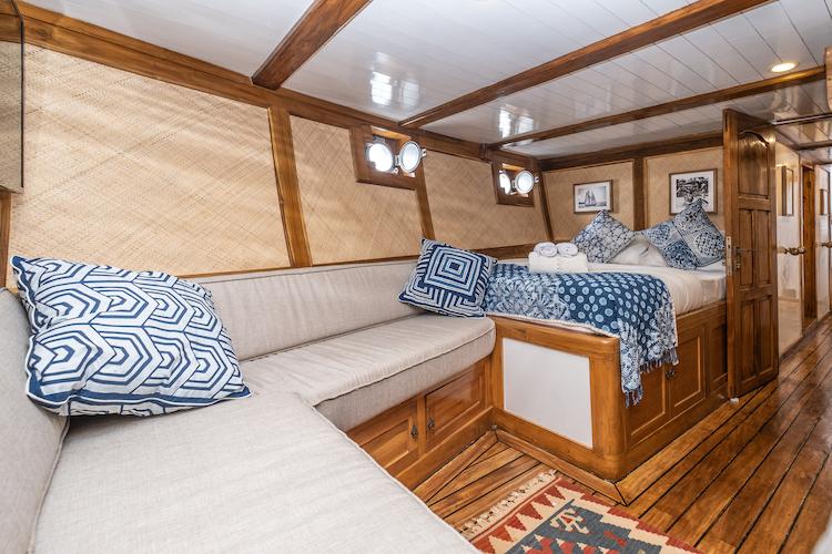 La Unua's Standard Cabin