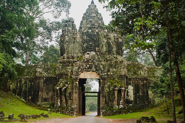 Aqua Mekong's 8-Day Mekong Expedition Upstream Day Three - Angkor Wat