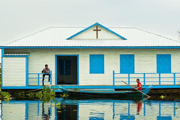 Aqua Mekong's 8-Day Mekong Expedition Upstream Day Six - Floating House