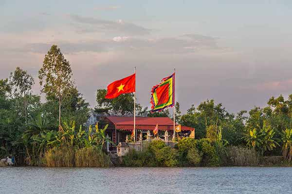 Angkor Pandaw's Red River Cruise Upriver Day Seven - Lo & Red River