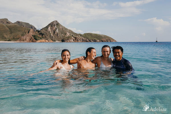 Adelaar's 11-Day Komodo Exclusive - Day Seven - Guests Swimming