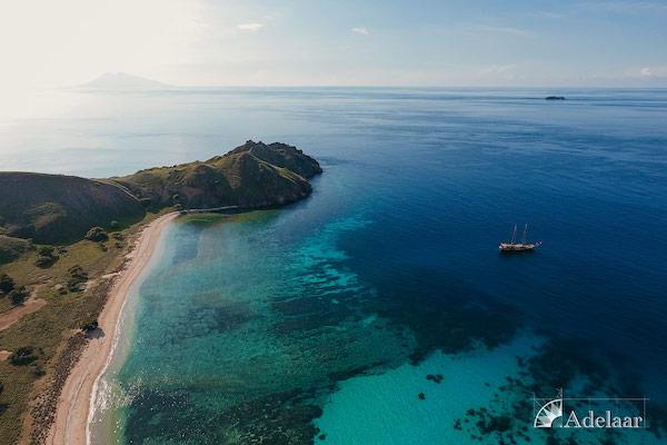 Adelaar's Komodo Extended Bali - Komodo - Day Five - Shoreline