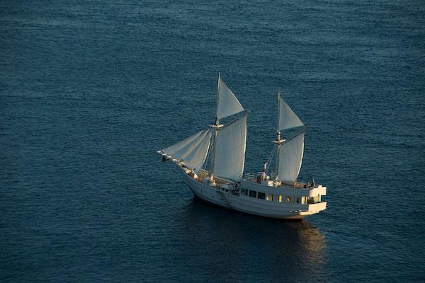 Alexa's 6-Day Labuan Bajo to Sumba - Day Five - Sailing