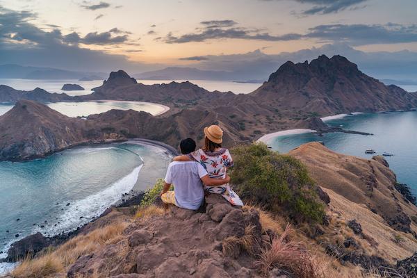 La Unua's 5-Day Komodo Cruise - Day Four - Padar Island