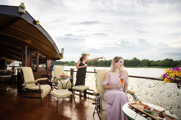 Loy Dream's 3-Day Bangkok to Ayutthaya - Day Three - Enjoying Sunset Cocktail
