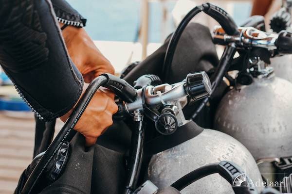 Adelaar's 12-Day Banda Sea: Ambon to Saumlaki - Day Two - Preparing Tanks for Diving
