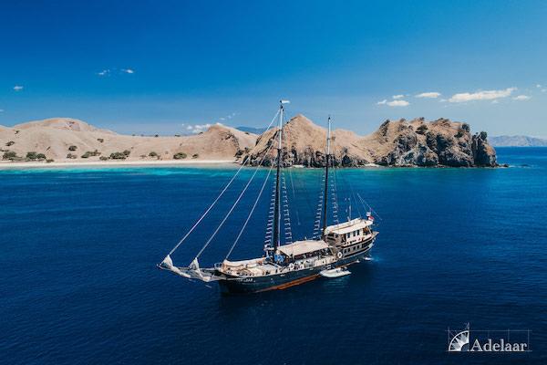 Adelaar's 12-Day Banda Sea: Ambon to Saumlaki - Day Three - Anchoring