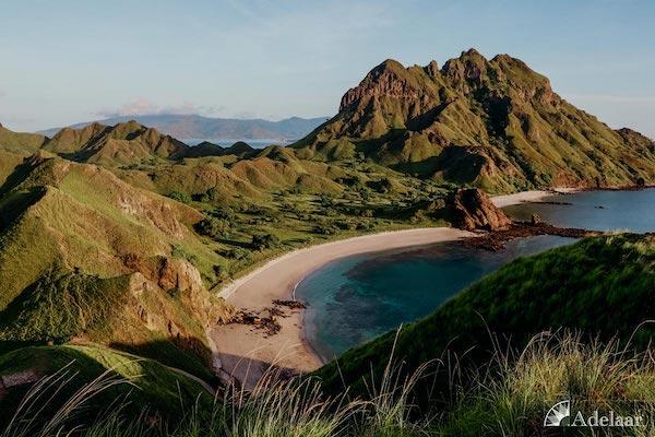 Adelaar's 12-Day Banda Sea: Ambon to Saumlaki - Day Eight - Padar Sunrise