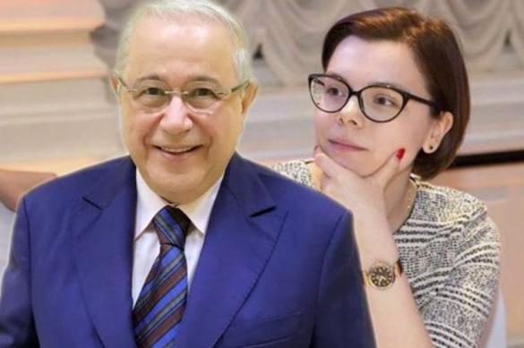 Петросян опубликовал первое фото с молодой женой