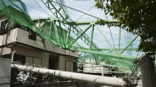 千葉県市原市 ゴルフ練習場 倒壊 横転 鉄塔 鉄柱 ポール