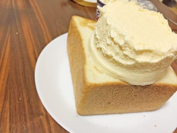 アイスクリーム、食パン、全部