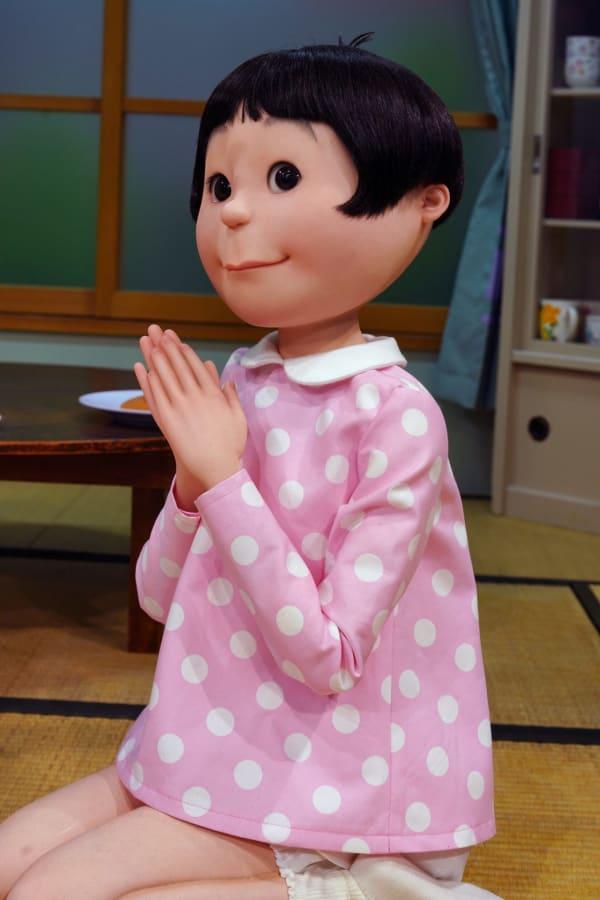 磯野ワカメ リアルな等身大模型 リアルな人形