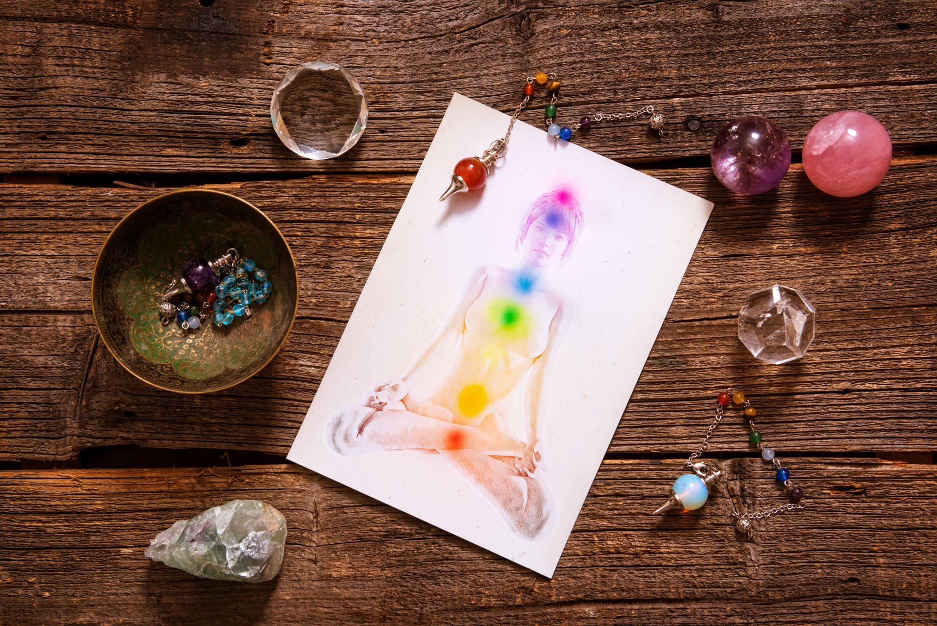 chakra's en doshas: chakra's met corresponderende kristallen