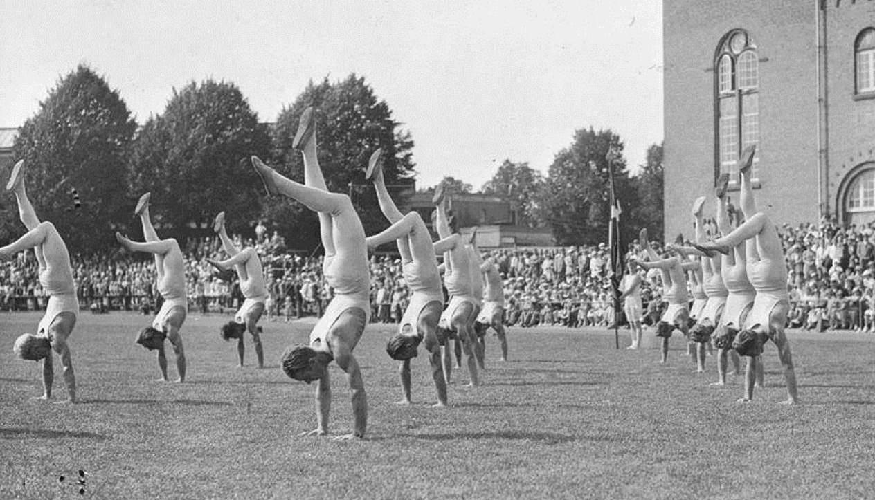 Niels Bukh: yoga komt uit Denemarken