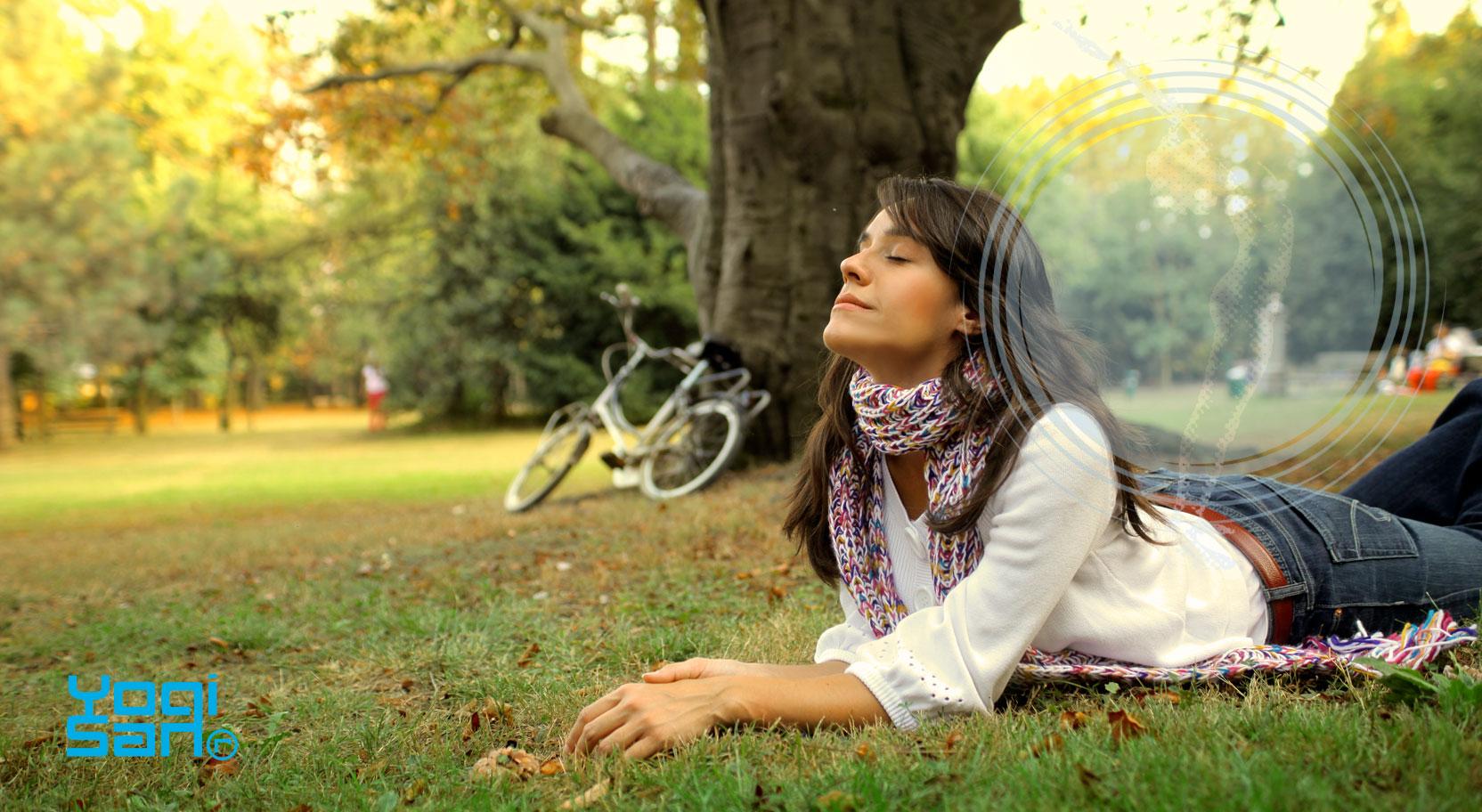 Prāna betekent levenskracht en bevindt zich vooral in de lucht die we inademen