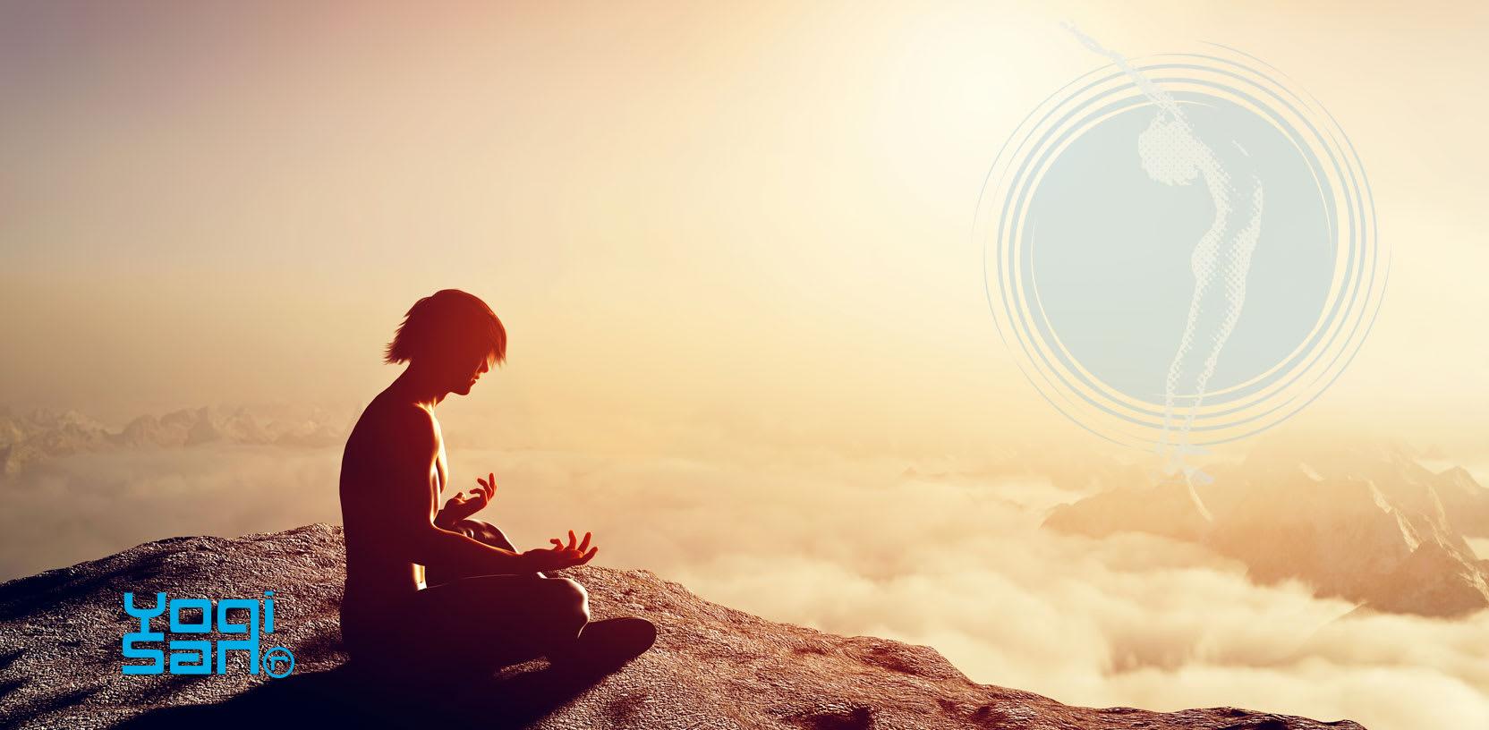 vrouw op een berg bezig met bewustzijn