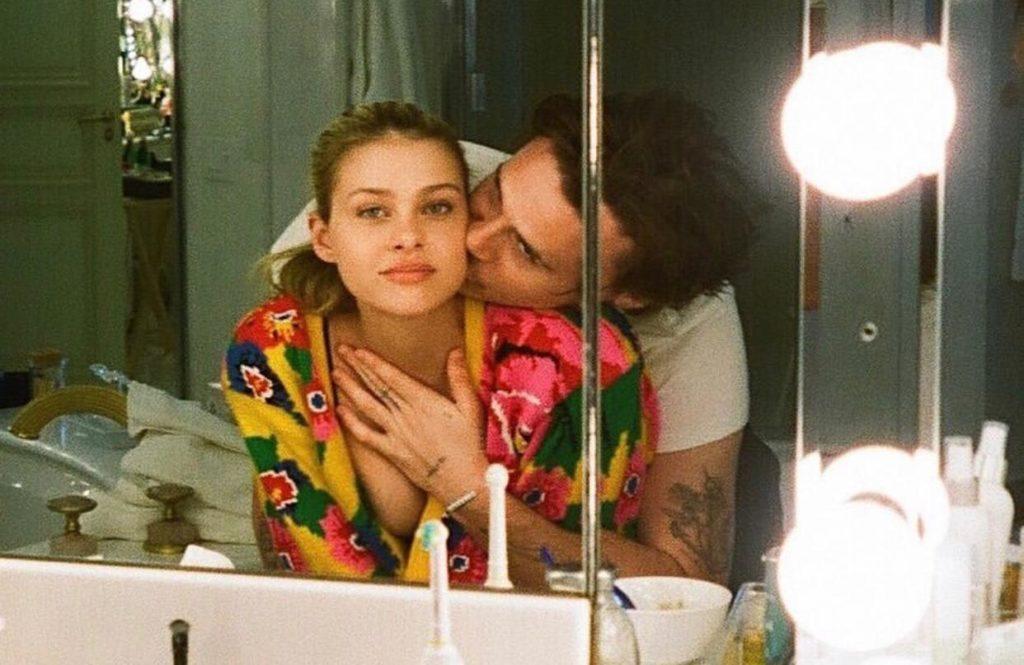 «Мой навсегда»: топ снимков Бруклина Бекхэма и Николы Пельтц