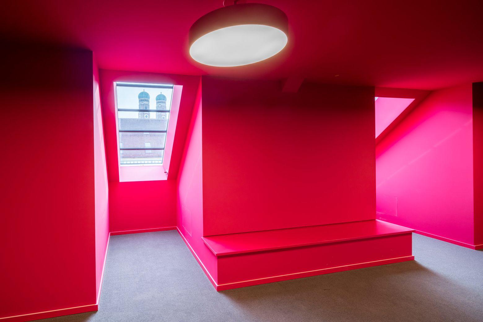 Farbraum Dachgeschoss rot