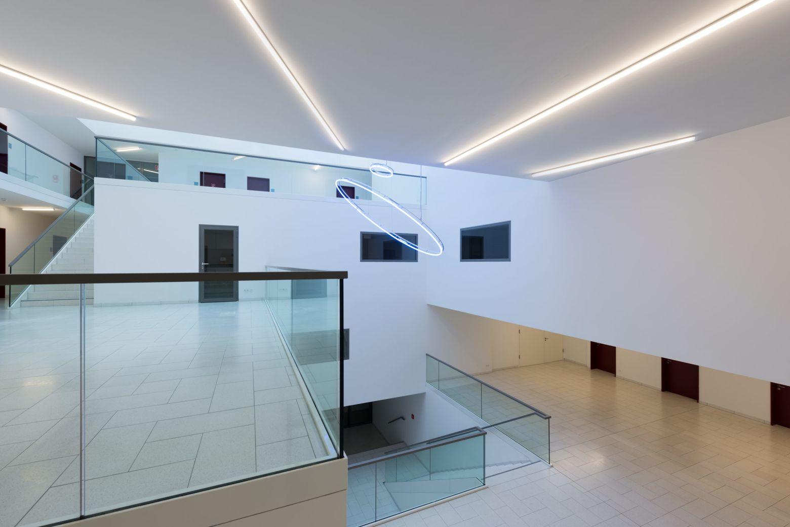 Atrium Blick zum Eingangsbereich
