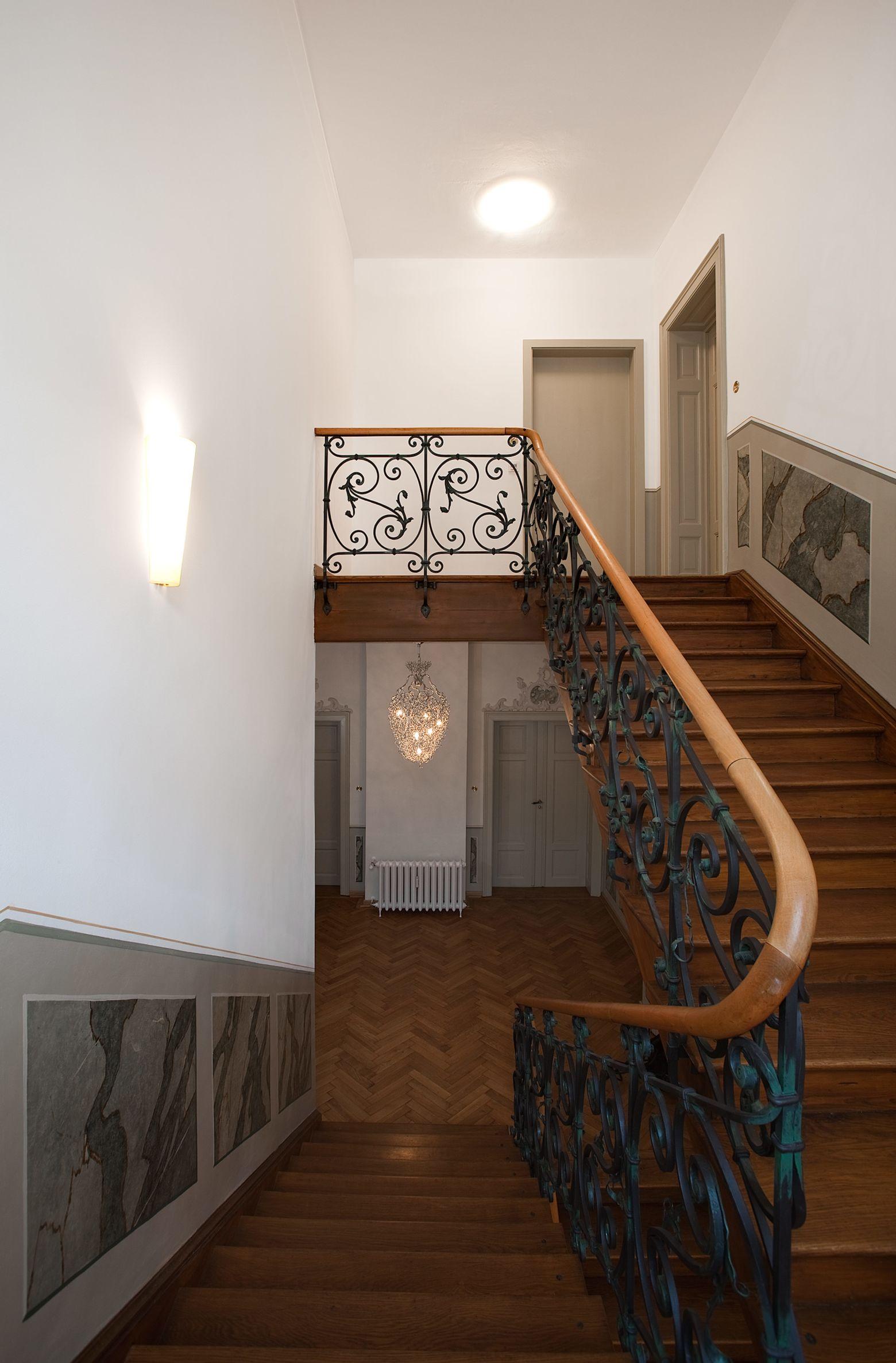 Treppenlauf zum Dachgeschoß