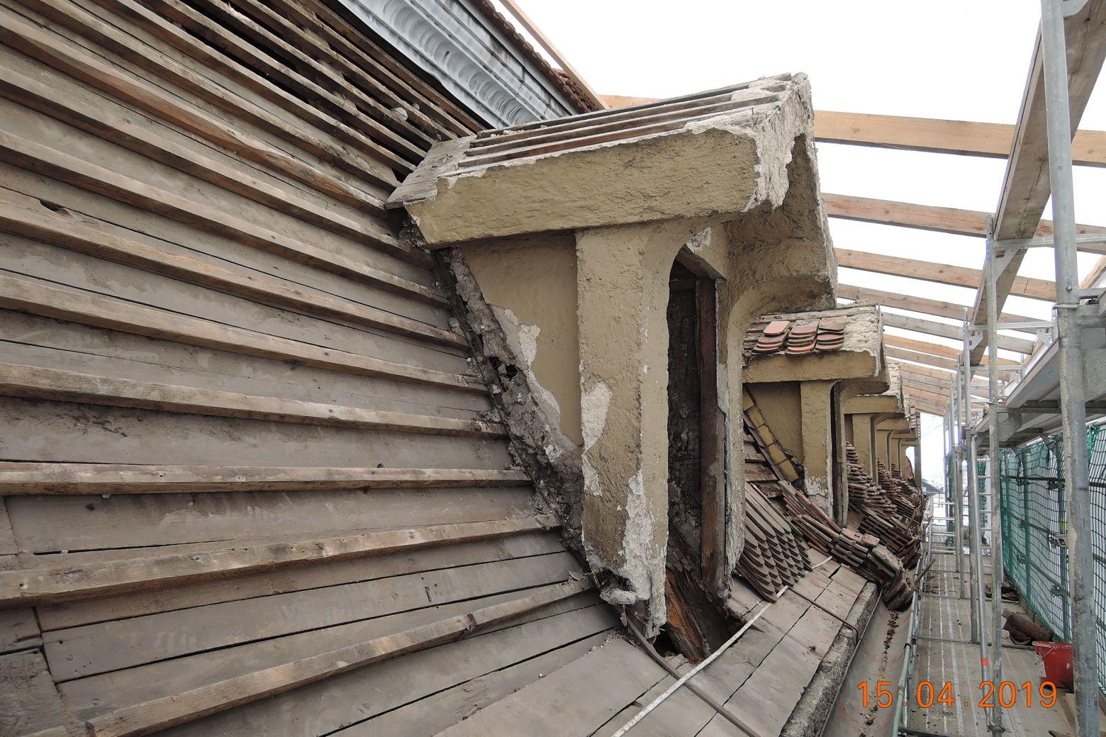 Bauarbeiten Dach- und Gaubensanierung 01