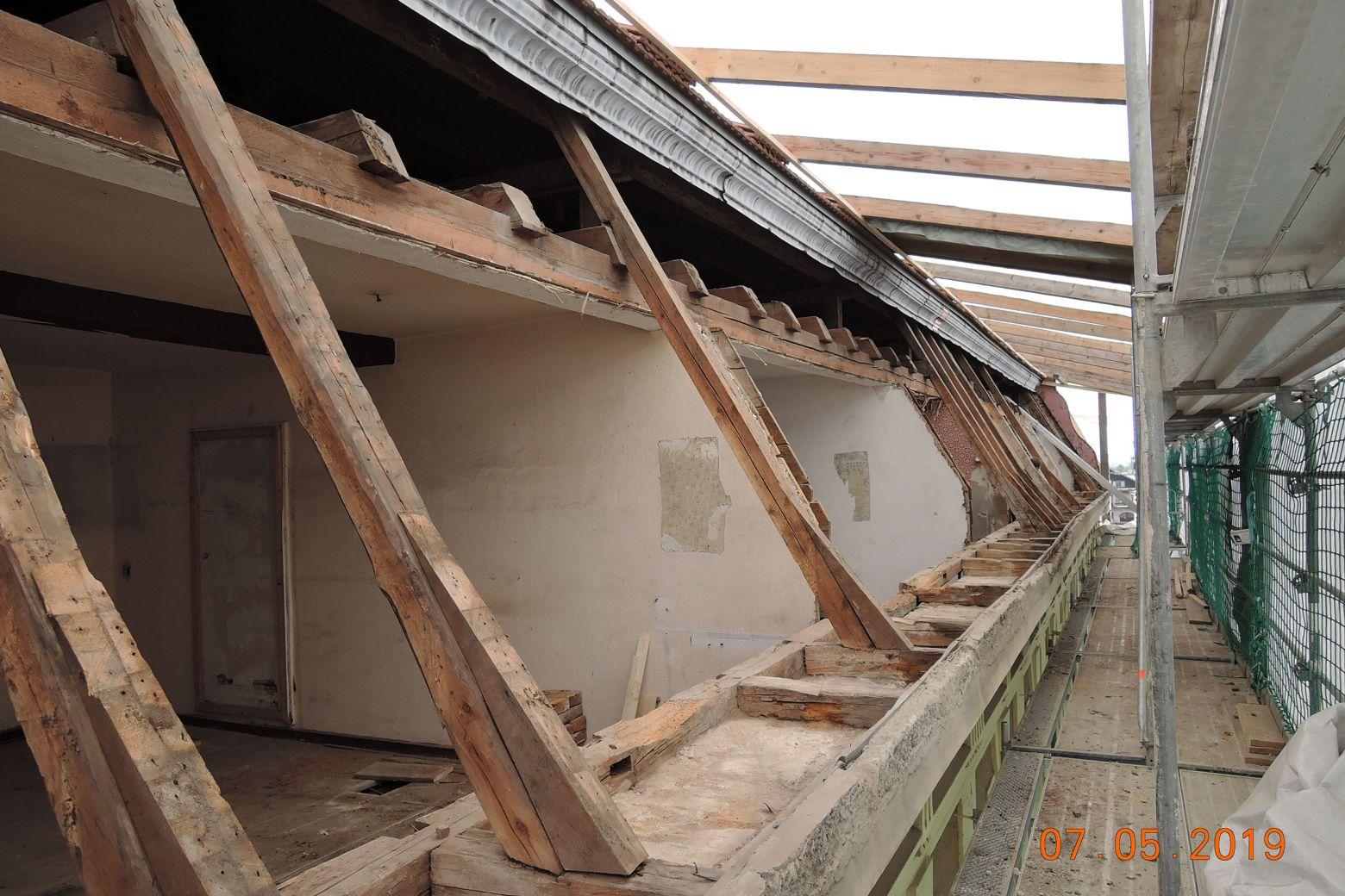 Bauarbeiten Dach- und Gaubensanierung 02