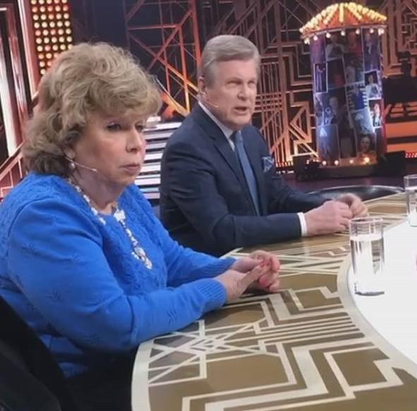 Лариса Рубальская призналась, что сдала анализ на коронавирус из-за Льва Лещенко, с которым сидела рядом на съемке
