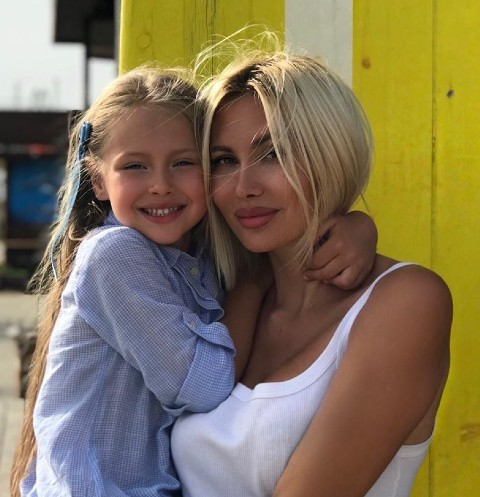 Элина Камирен: «Саша виделся с дочкой один раз в марте по моей инициативе»
