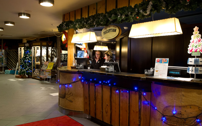 Hotel Holiday_Club_Reception.jpg