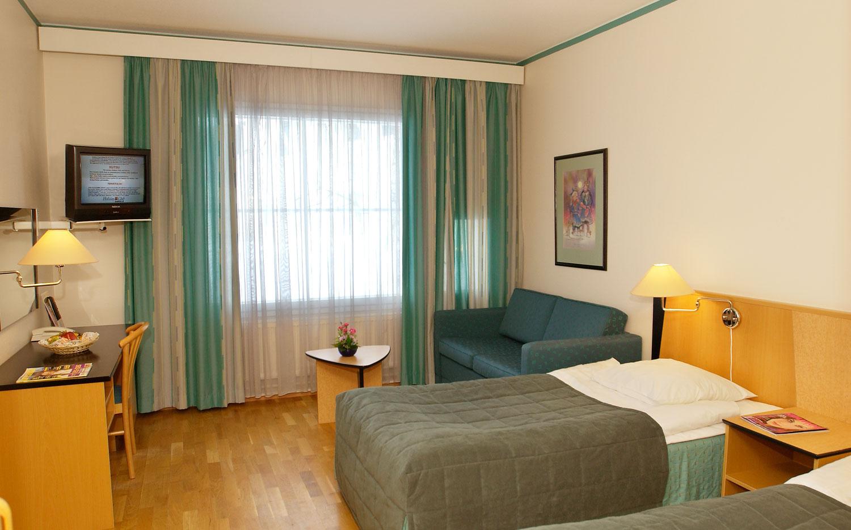 Hotel Holiday_Club_doubleroom.jpg