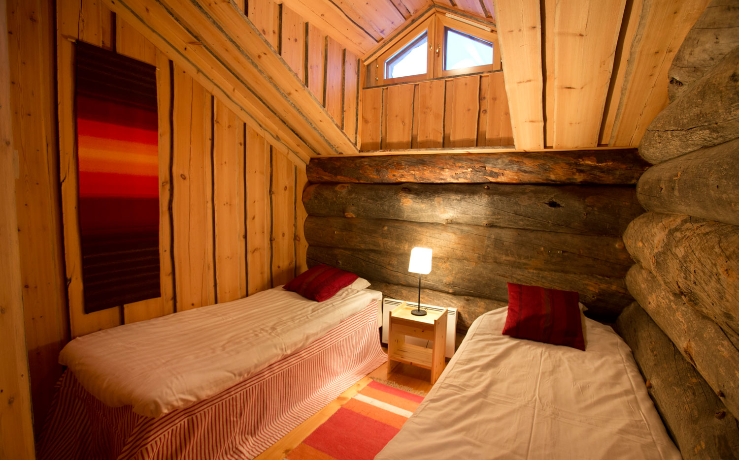 Christmas Cabin_bedroom2.jpg