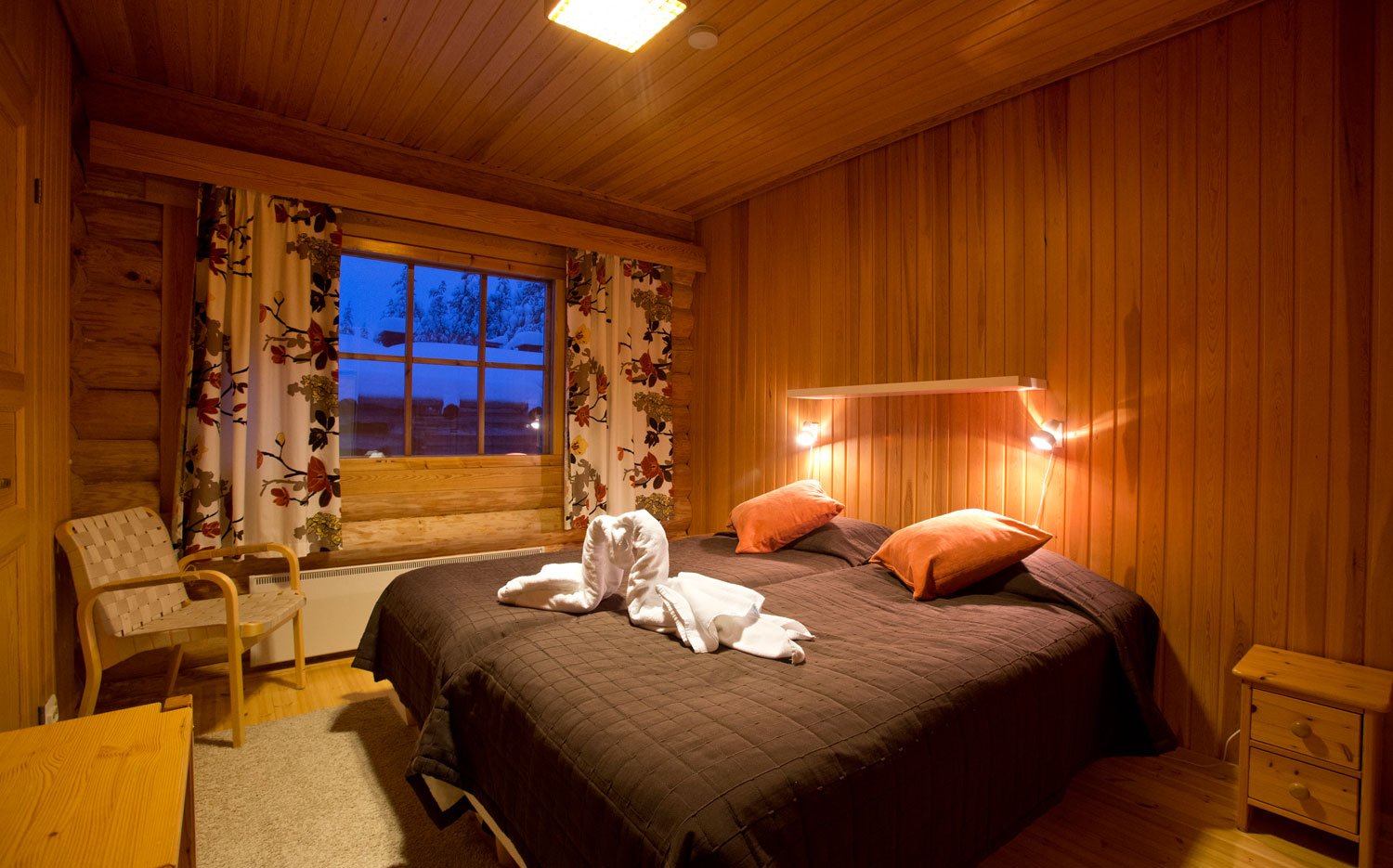 Christmas Cabin_bedroom.jpg