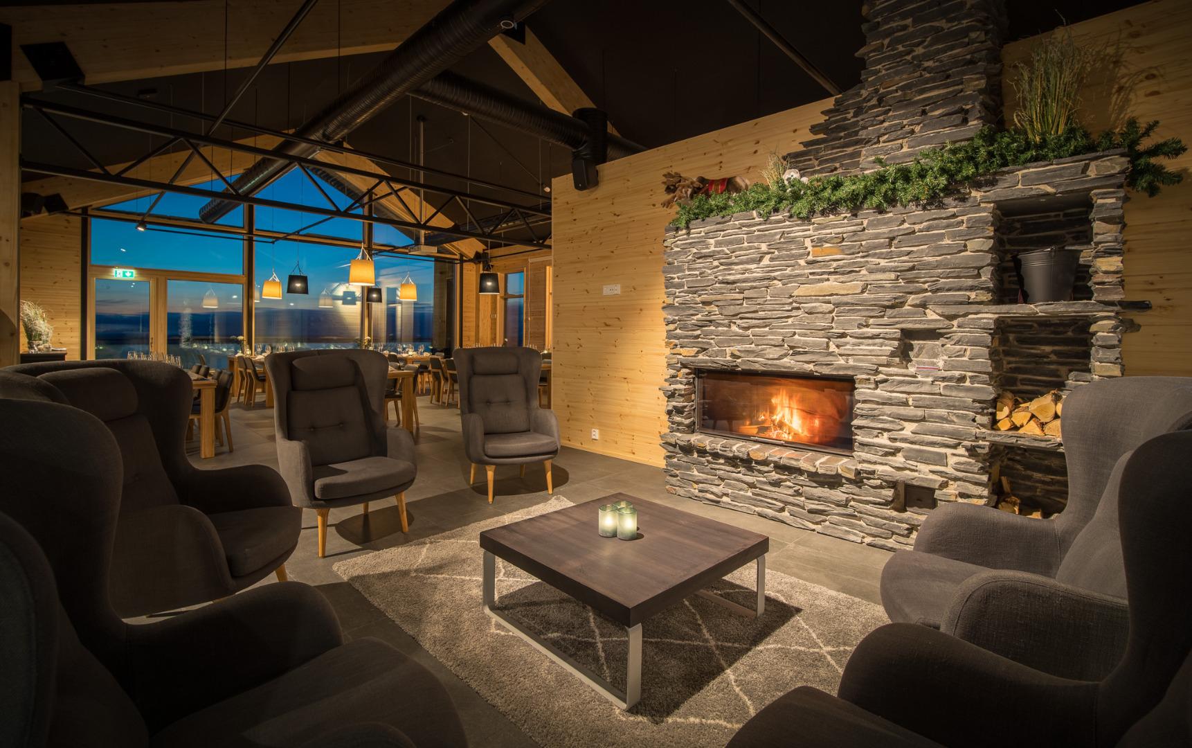 Santa's Star Arctic Hotel - Bar and Reception