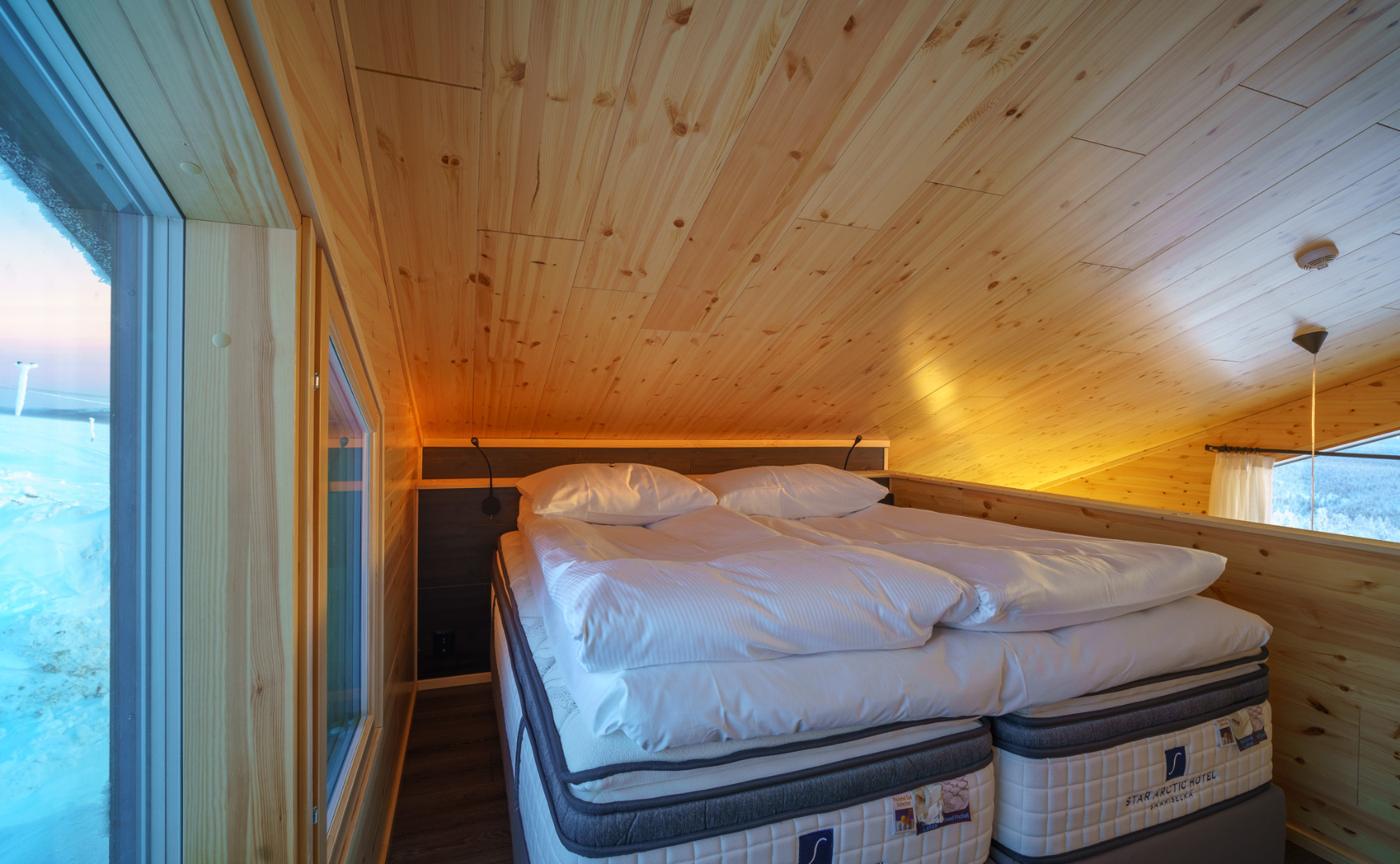 Star Arctic Hotel - A bedroom in a Type A and C suite