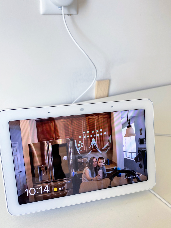 Google nest home hub photo frame