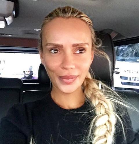 Кристина Сысоева скупает в магазинах туалетную бумагу