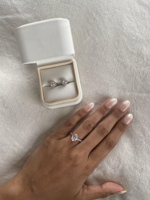 Four Words ringbox and diamond