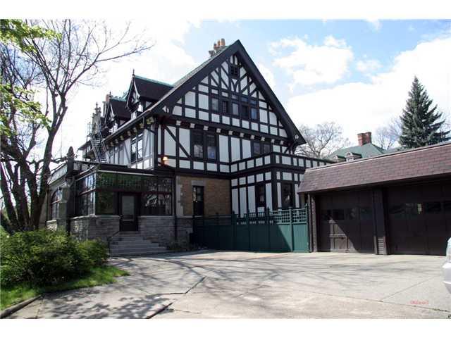 Tillinghast-Willys - Historic Luxury Mansion In Toledo, Ohio