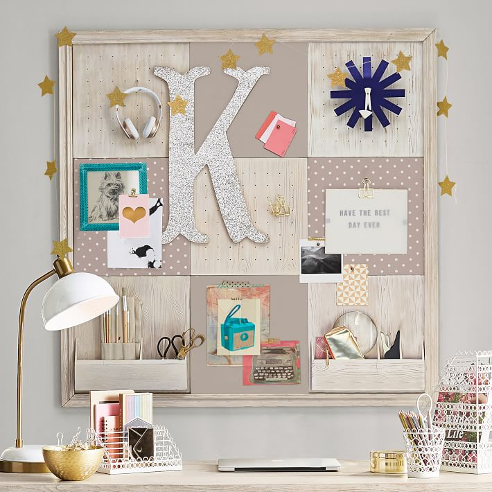 Pin Boards are part bof the wall in Teen bedroom room ideas #6