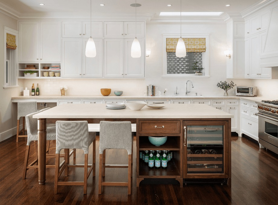Is this just me? ..This white-counters-and-wood-base Island feels light and airy And I think that this island captured the old days work table so far the most.
