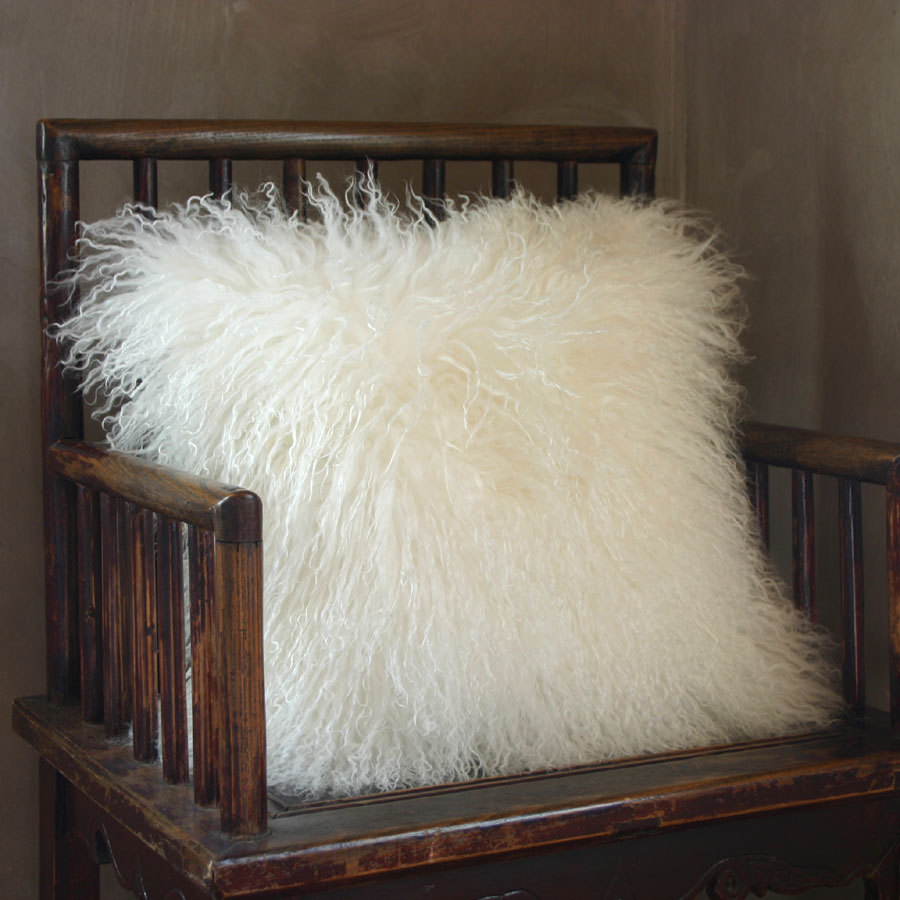 White-Fluffy-Pillows