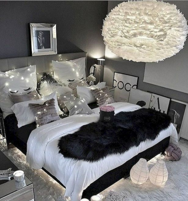 Black & White Option in  room ideas for teenage girls