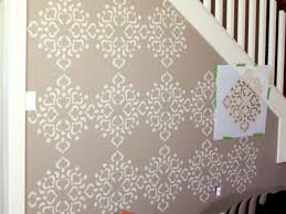 Stencil walls for decor