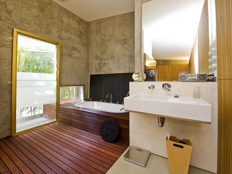 Back-Door View Bath Idea