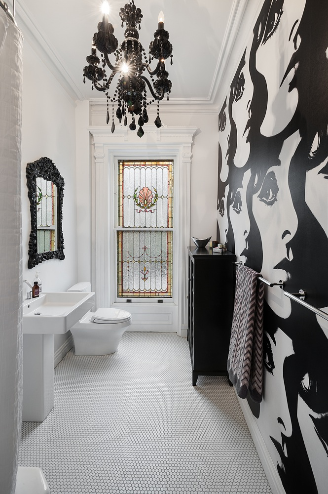 Black & White Classical Bathroom Decor