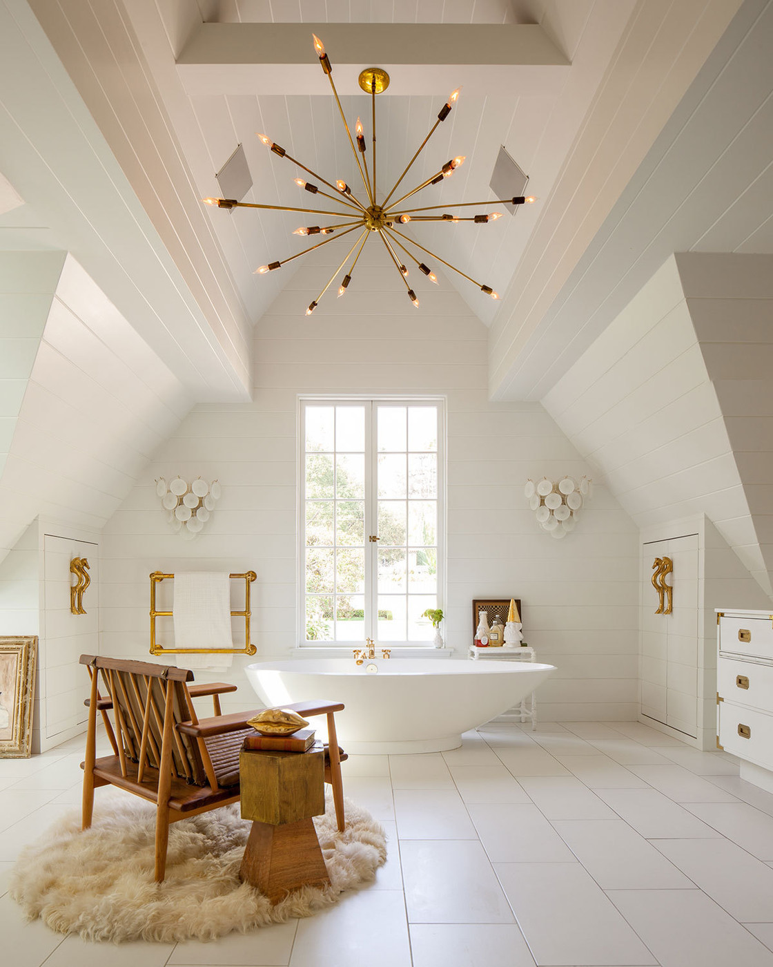A touch of gold in these bathroom design ideas