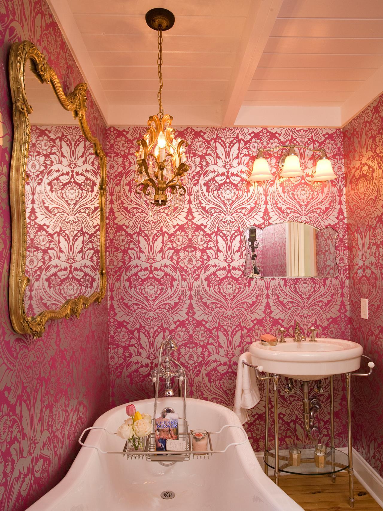 Vintage Glory Bathroom Idea